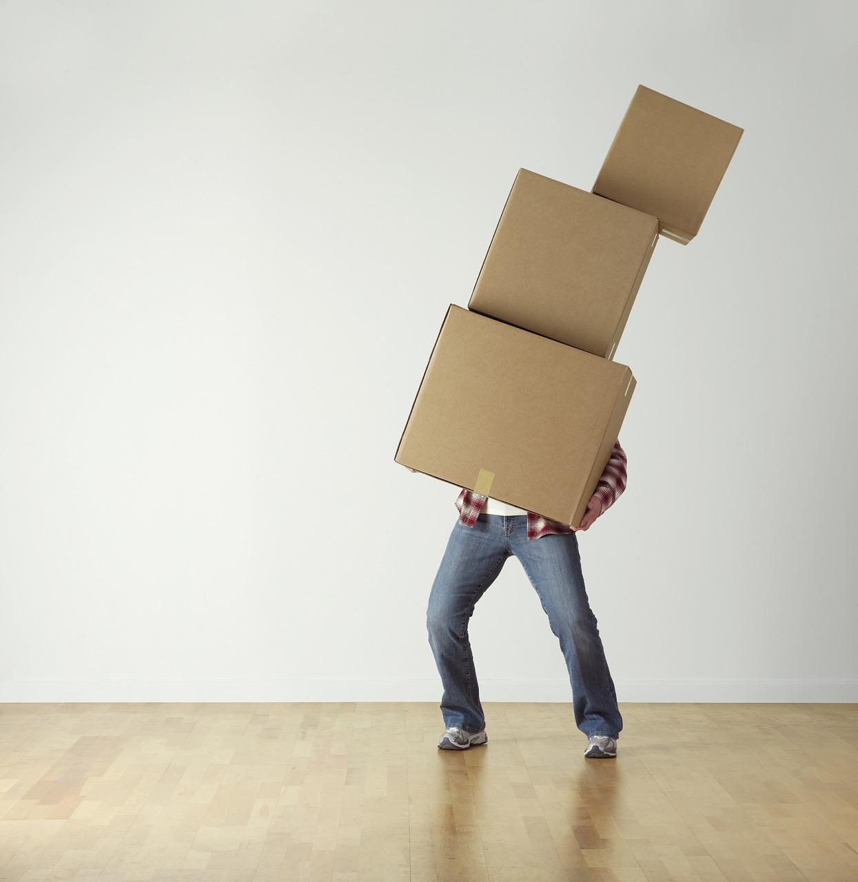 Comment Deplacer Un Meuble Lourd Sur Du Carrelage déplacer un meuble lourd avec l'aide d'un professionnel